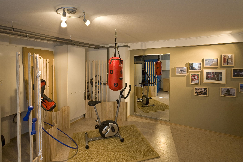 Fitnessraum im keller einrichten  keller design ideen | Möbelideen